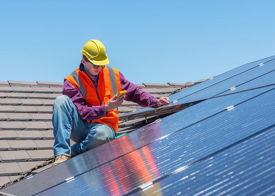 Modernste Solartechnik und Lösungen – Lassen Sie sich von uns auch zu Fördermitteln beraten.